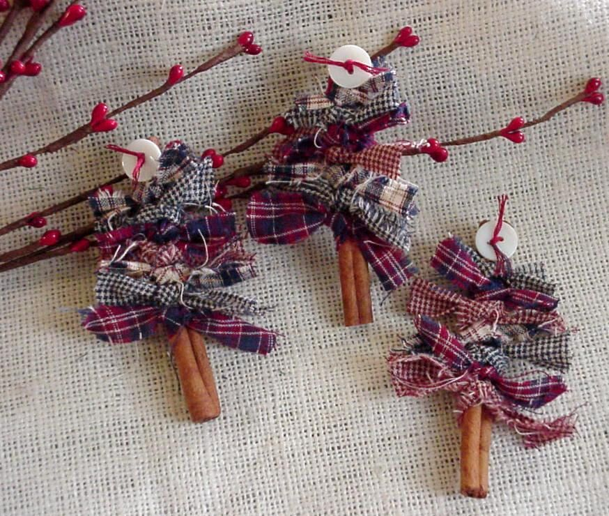 Patriotic Cinnamon Stick Tree Brooch, Christmas Ornament