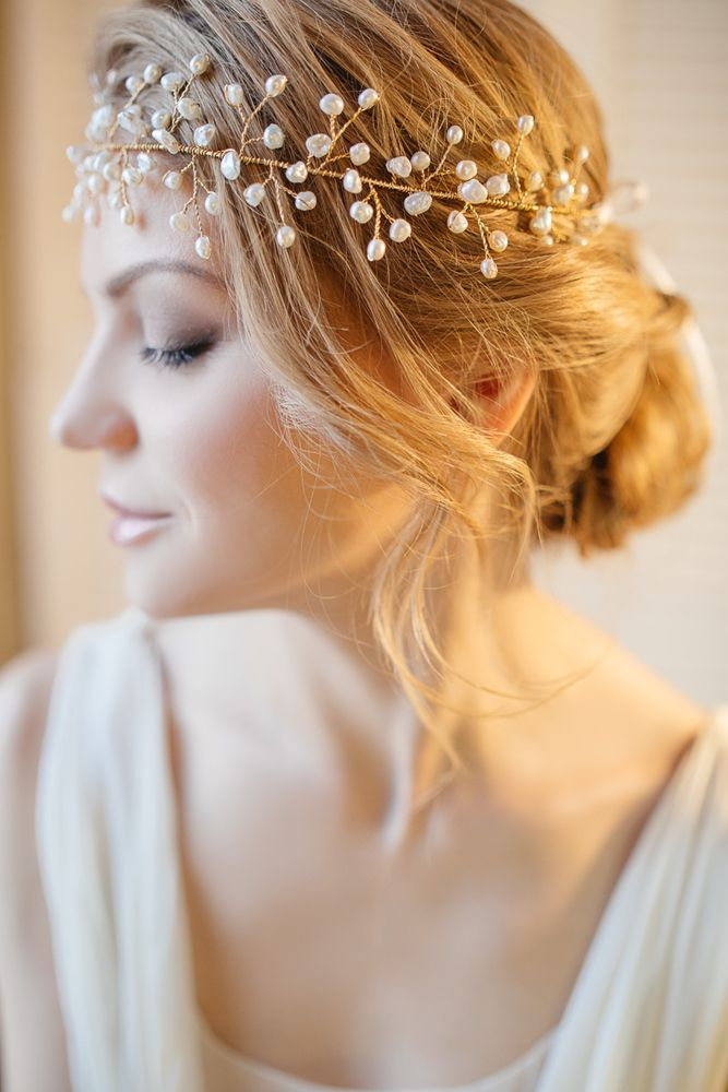 id e coiffure mariage headband couronne perl e chignon bas carnet d 39 inspiration mademoiselle. Black Bedroom Furniture Sets. Home Design Ideas