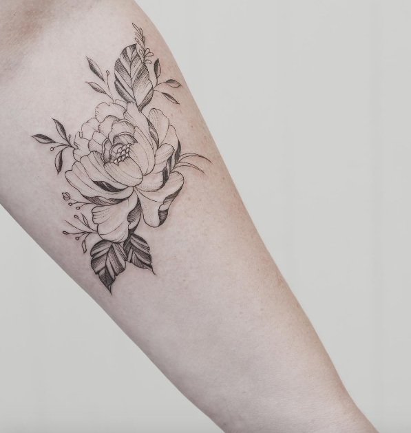 Single peony of arm by Tritoan Ly