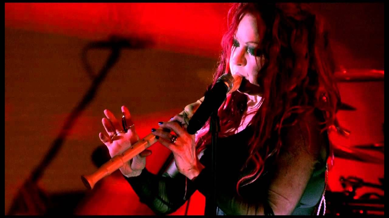 """Cyndi Lauper Front And Center """"She Bop"""" Live Video"""