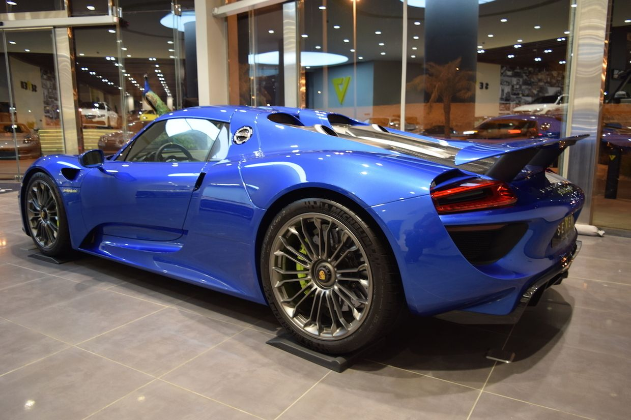 Glamorous Blue Porsche 918 Spyder Is Our Type Of Hypercar