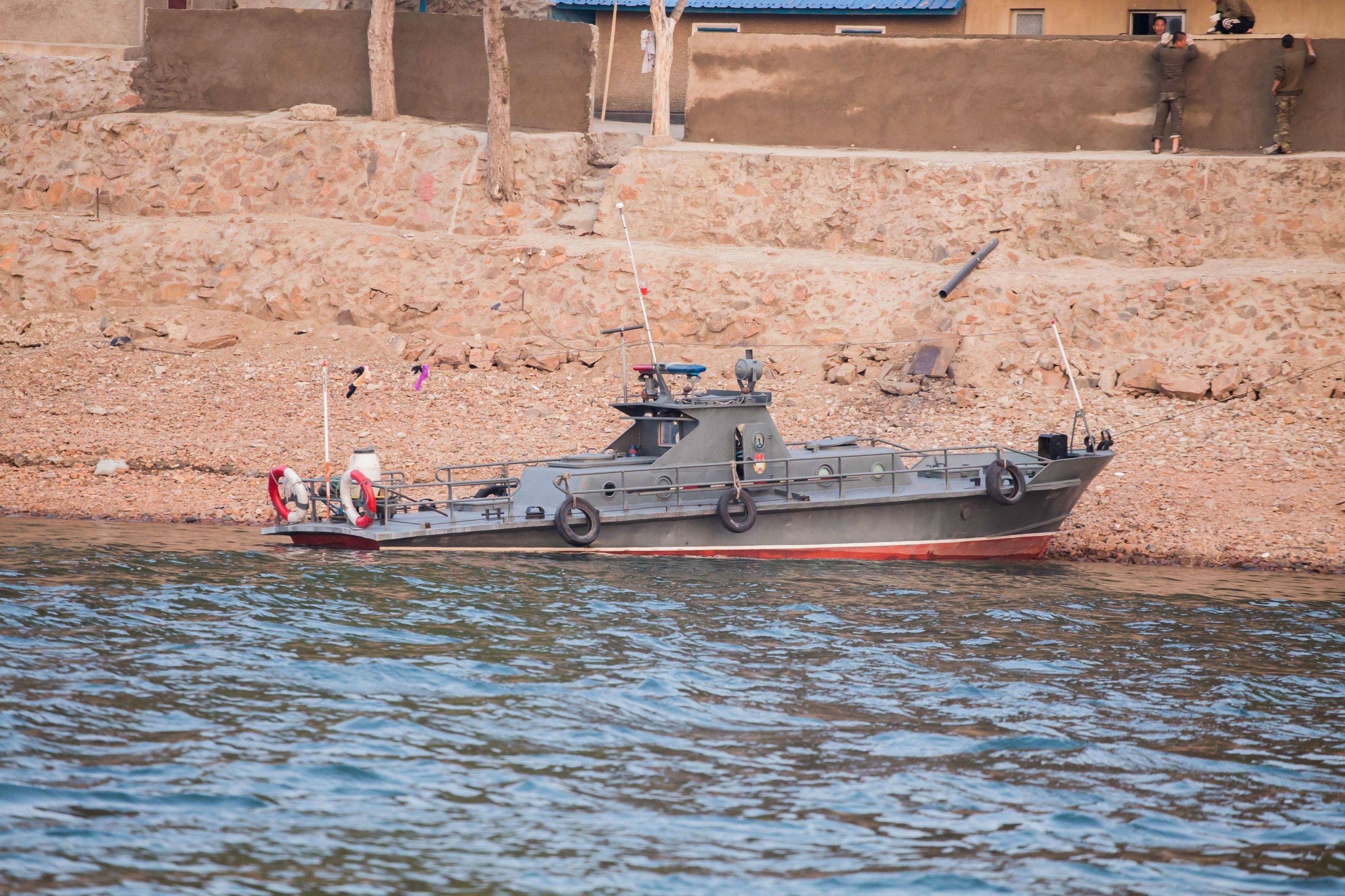 Shitty warshipporn north korean patrol boat on the yalu river