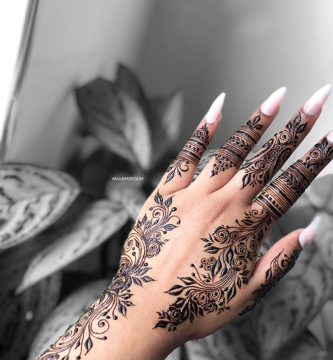 "A N J U M A on Instagram: ""New fave design � first time trying out 100% jagua henna! 