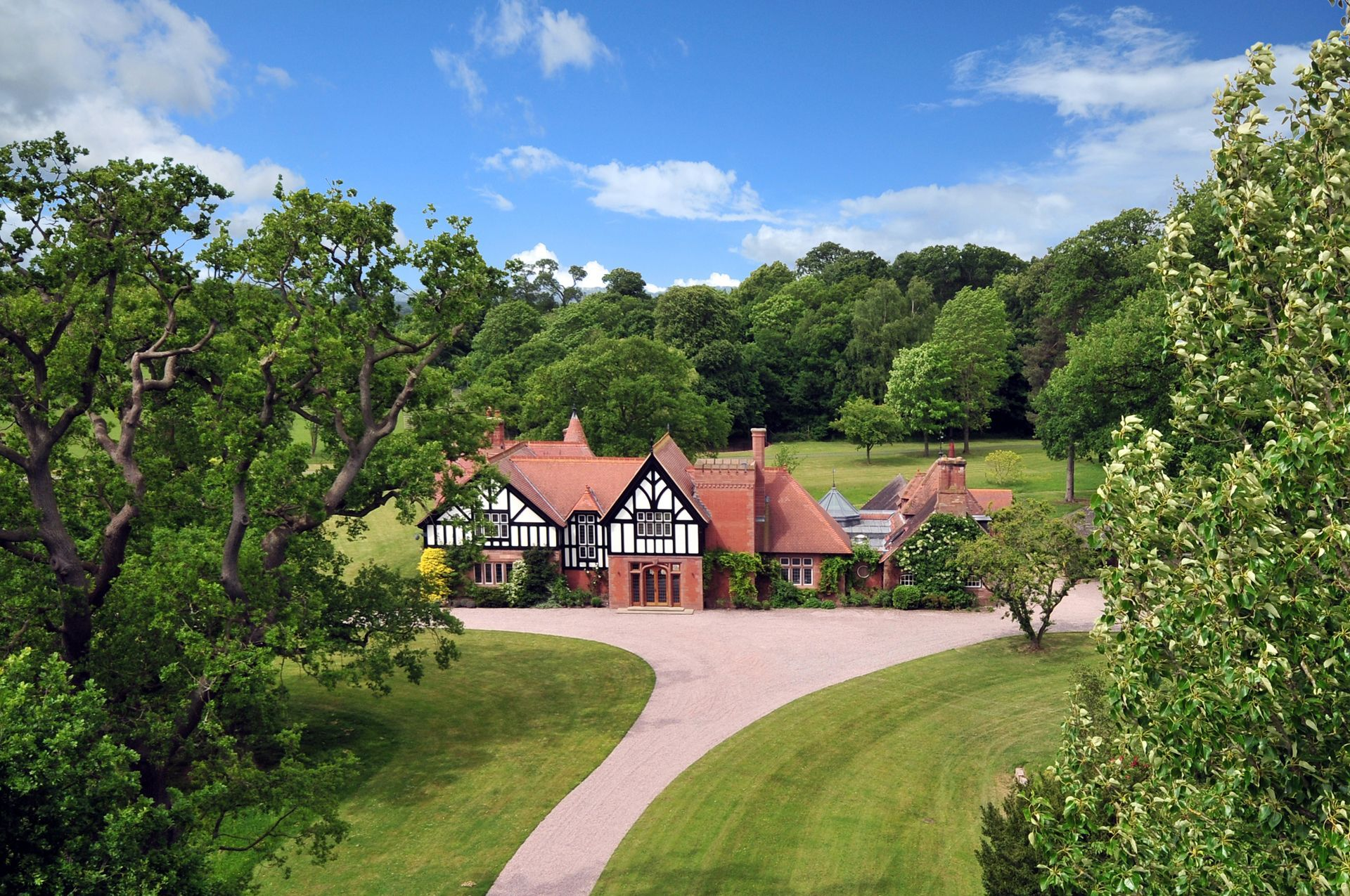 Country house for rent within the private parkland of Eaton Hall ...