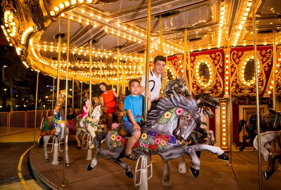 Festival Carousel- trò chơi tại công viên asia park