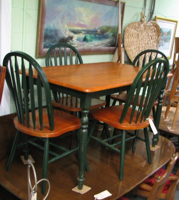 Fascinating Country Kitchen Table And Chairs With Dark Green Color