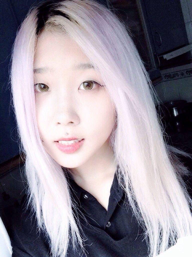 susyfluffy �� medusa piercing white hair lilac hair