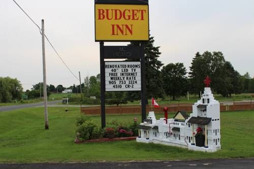 Budget Inn Port Hope (Ontario) This Port Hope property is conveniently located off Highway 401. Free Wi-Fi is available in all areas. Rooms feature a refrigerator, a coffee maker and a microwave. Port Hope Golf & Country Club is less than 5 km away.