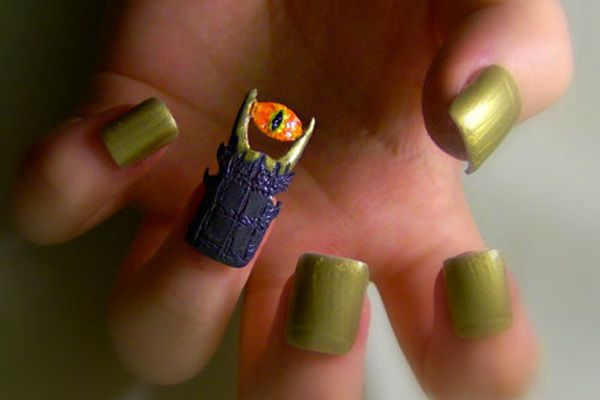 Brilliant and Bizarre Nail Art Inspired by Internet Memes ...