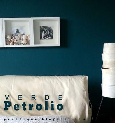 Una parete verde petrolio e un insalata di cozze e vongole brand new home blue walls wall - Camera da letto verde acqua ...