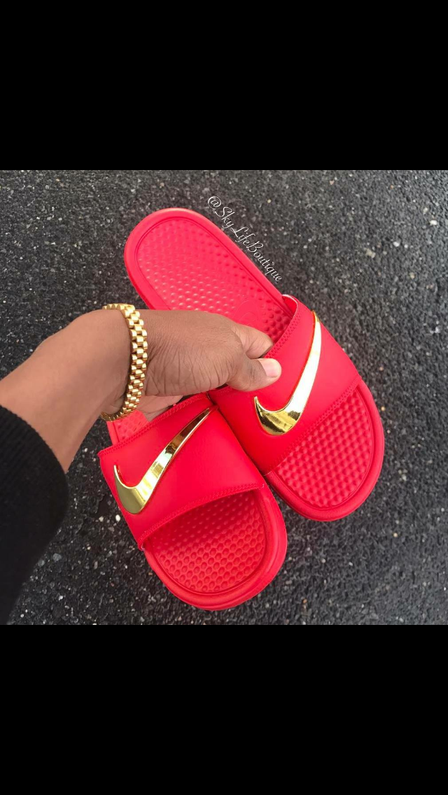 Pinterest: @DamnCyd | Claquette FENTY | Chaussures