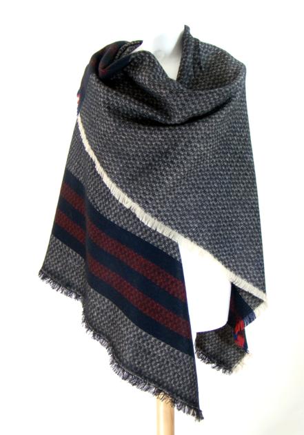 Châle carré en laine noir rayures - Châle-Poncho - Mes Echarpes ... 3e4ef1b3c9c
