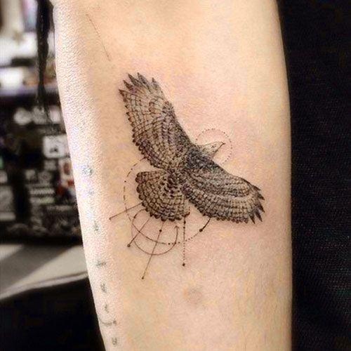 Zoe Kravitz Bird Circle Eagle Forearm Tattoo Steal Her Style Zoe Kravitz Tattoos Hawk Tattoo Eagle Tattoo