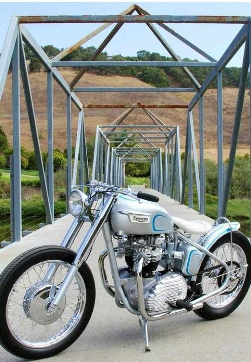 Triumph bobber motorcycle | Bobber Inspiration | Bobbers & Custom Motorcycles