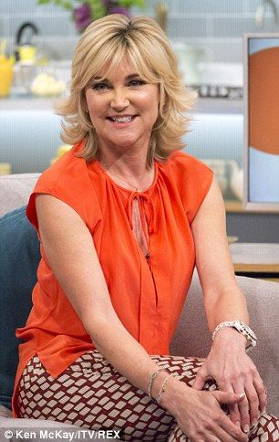 Anthea Turner Google Search Anthea Turner Hairstyles Short Hair With Layers Hair Pictures