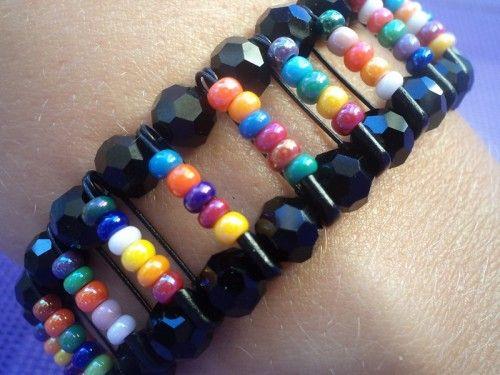 pendant mes vacances j 39 ai 3 bracelets en epingle et bracelets. Black Bedroom Furniture Sets. Home Design Ideas
