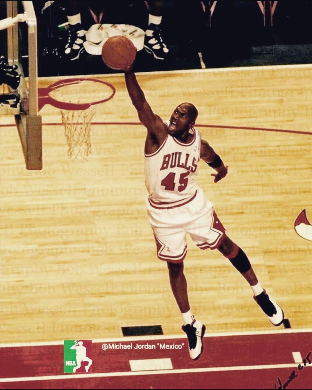 1 102 Likes 2 Comments Michael Jordan Michaelairjordans On Instagram Michaeljordan Michaelairjordan Air Michael Jordan Images Jordans Michael Jordan
