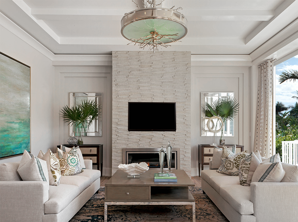 Best Gorgeous Traditional Style All White Living Room Decor 640 x 480
