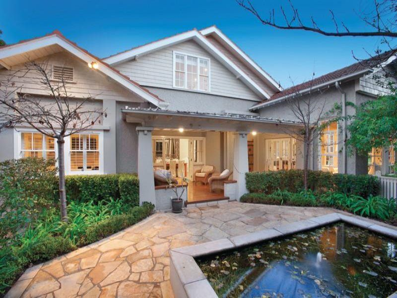 Hamptons Style Pool House In The Heart Of Sydney (With