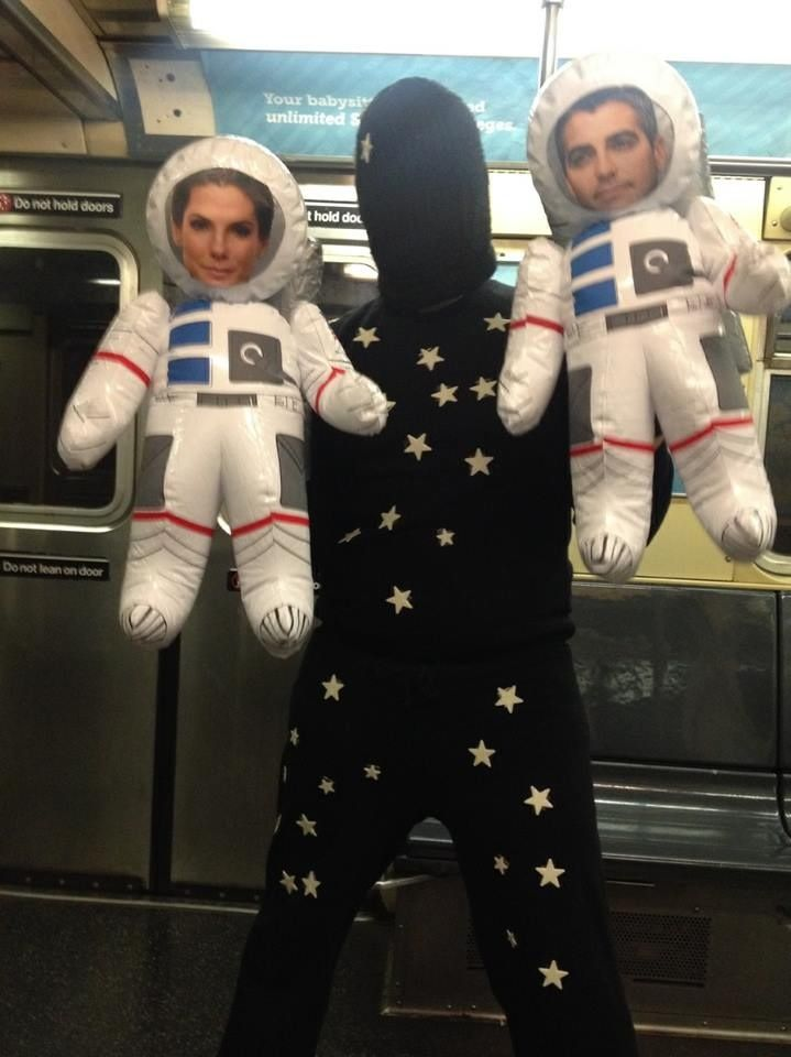 Cosplaying the entire movie of Gravity (2014 Oscar Party)