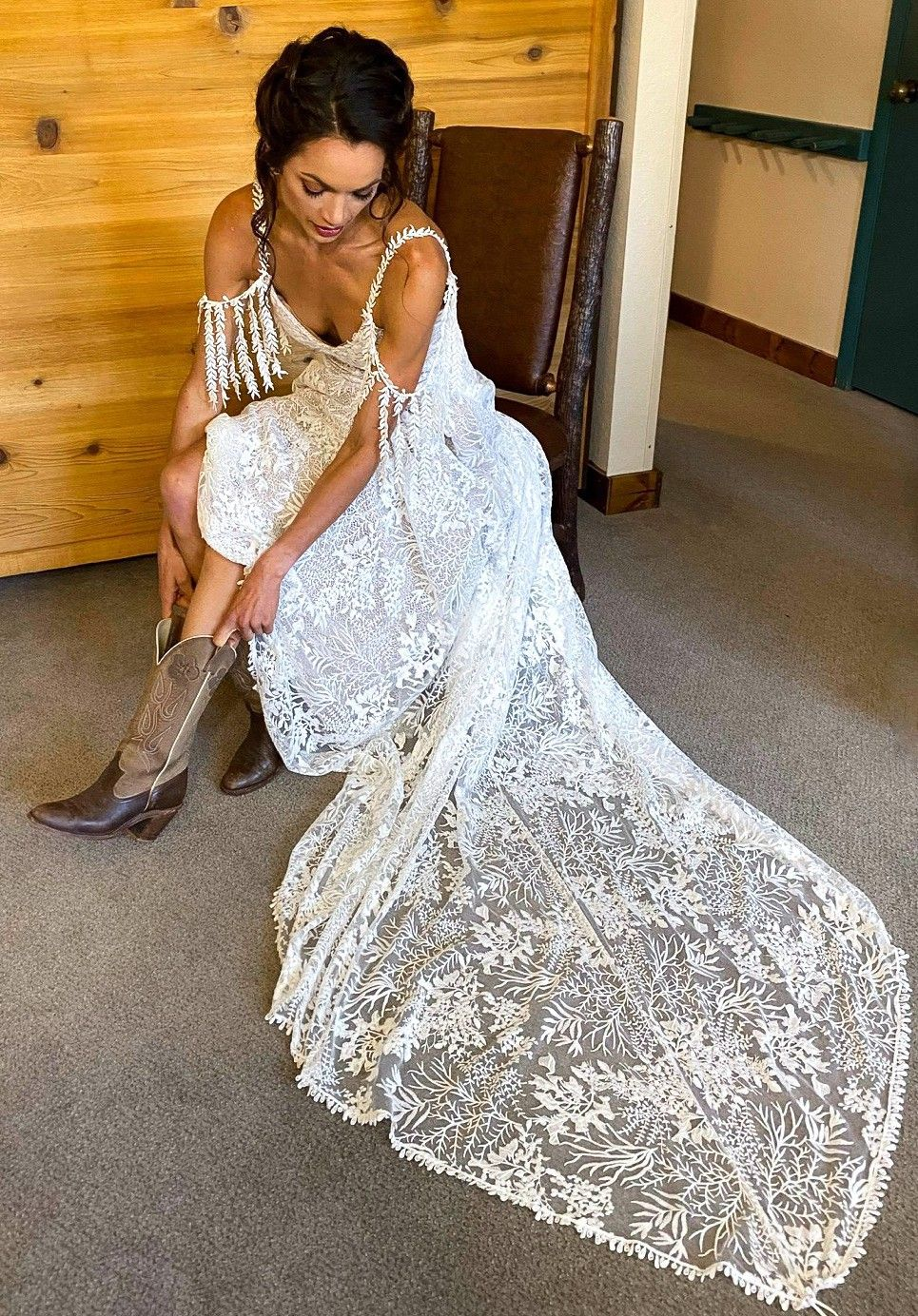 Grace Loves Lace Sol Used Wedding Dress Save 26 Grace Loves Lace Used Wedding Dresses Dresses [ 1384 x 965 Pixel ]