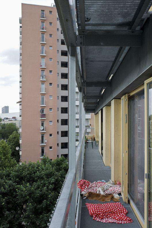 shared balcony © Andrew Alberts
