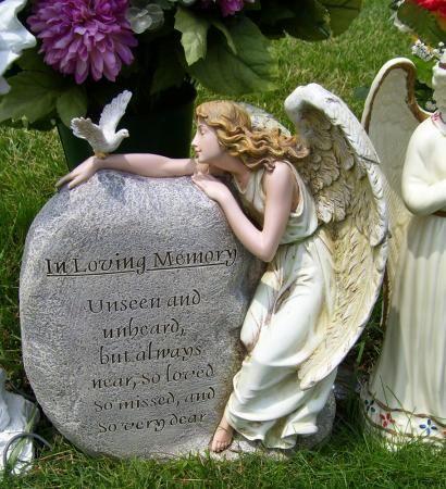 Joseph S Studio Angel With Memorial Rock Garden Statue