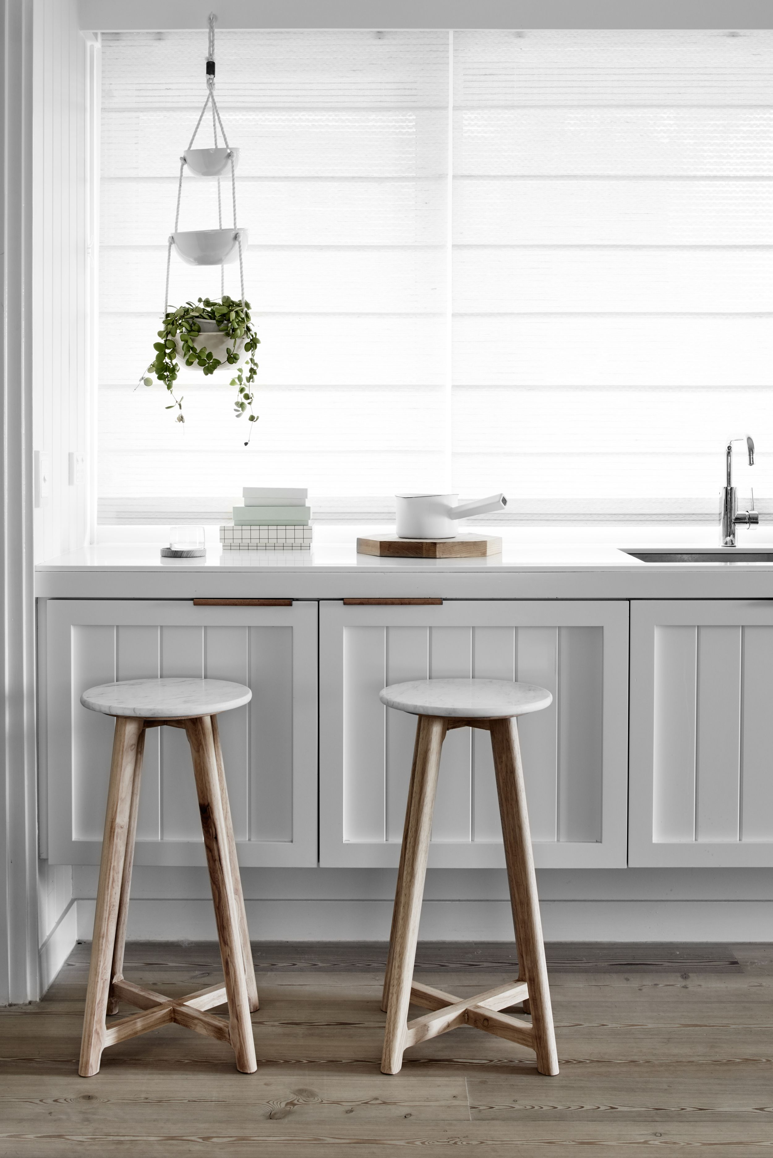 Swell Round Marble Stool Douglaston House Kitchen Stools Machost Co Dining Chair Design Ideas Machostcouk