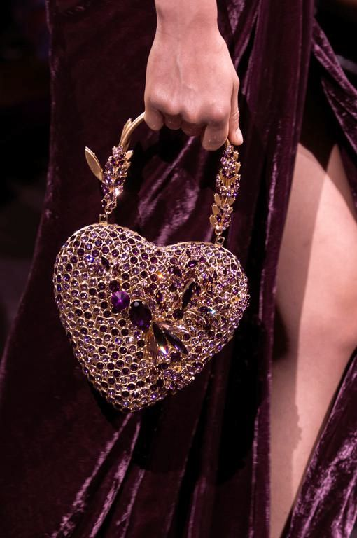 Details from Elie Saab Haute Couture Fall/Winter... |