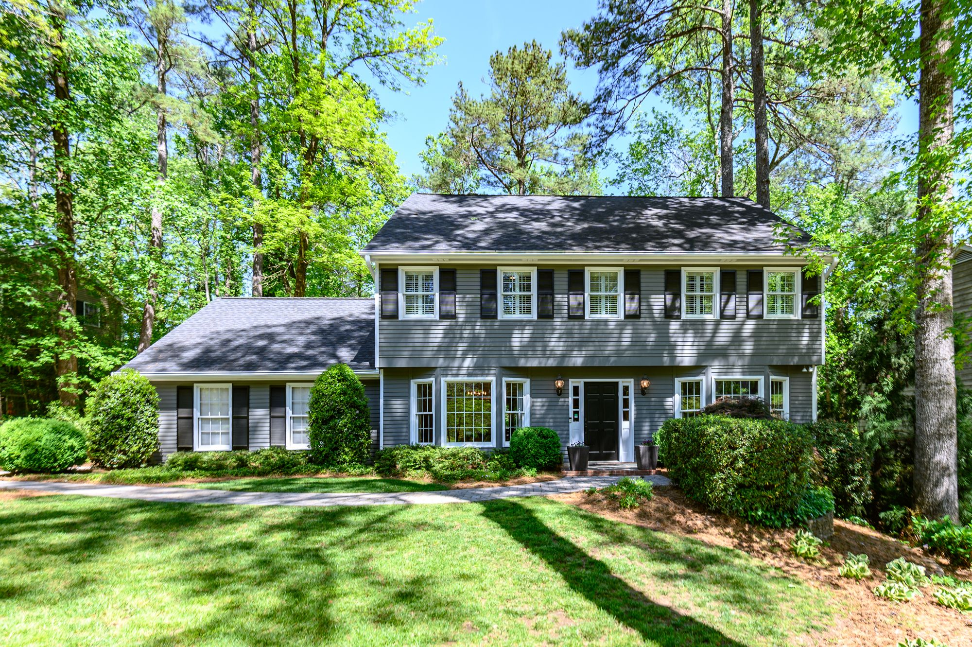 Homes For Sale In Sandy Springs Georgia Screened In Porch Bay Window Backyard