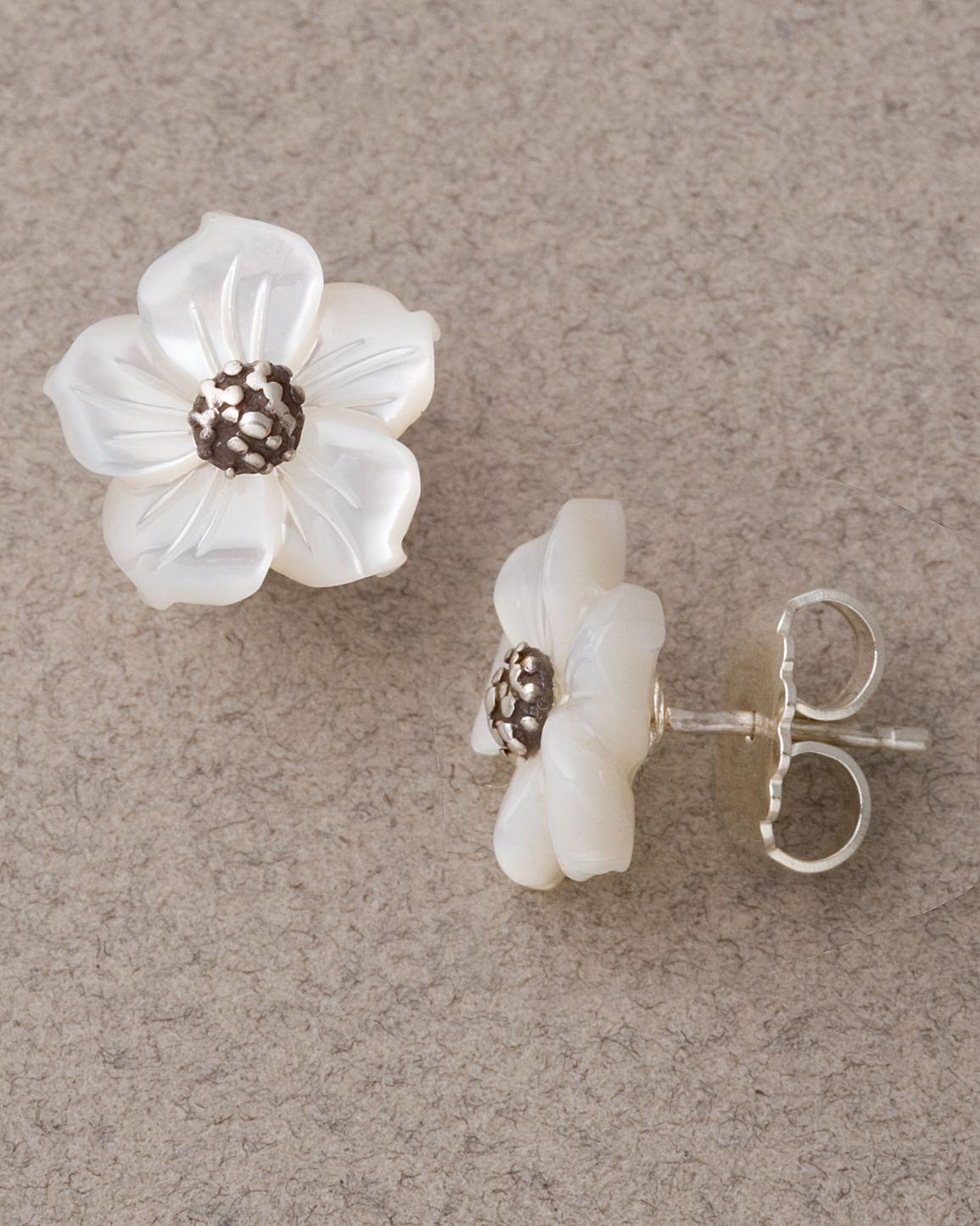 Stephen Dweck Small Mother Of Pearl Flower Earrings