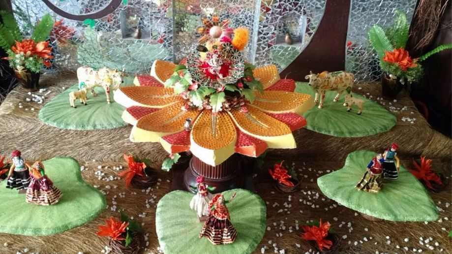 Flower Decoration For Krishna Janmashtami Valoblogi Com