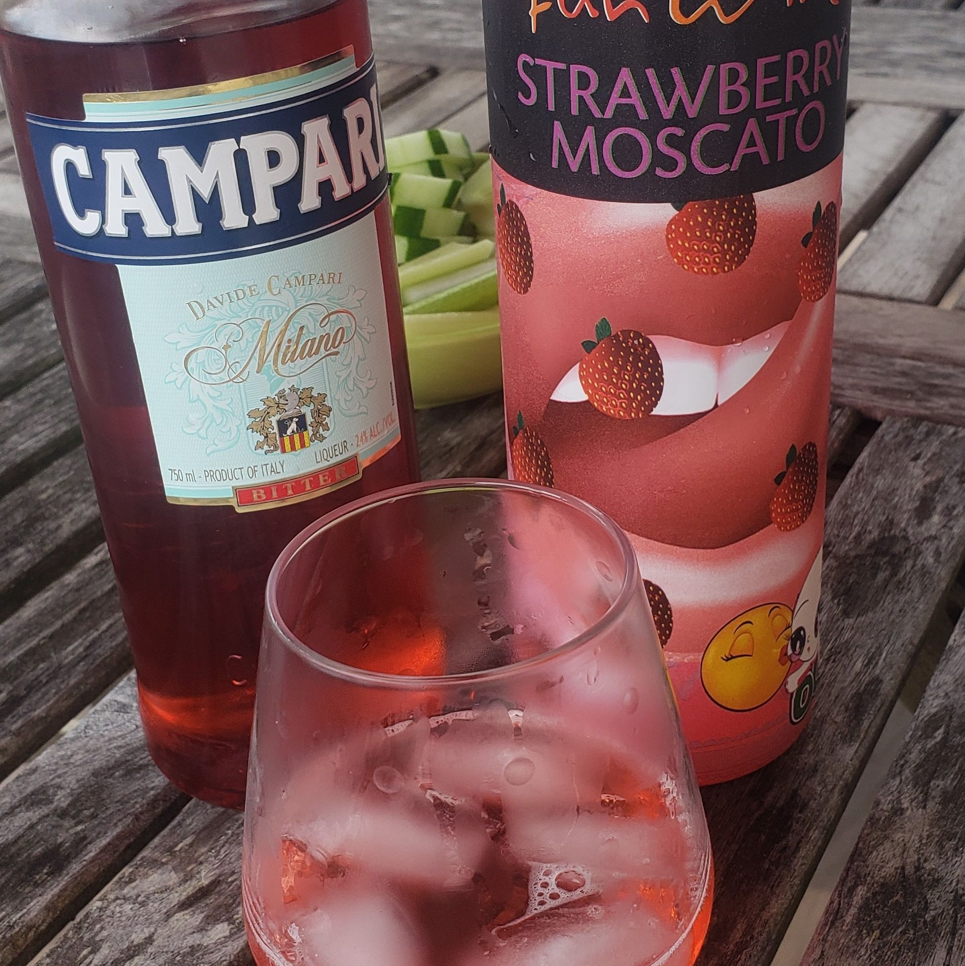 Here Is More With Fun I Am Not A Big Moscato Person But Gave The Chocolate Strawberry Negroni Recipe A Try Minus The Chocolat In 2020 Negroni Recipe Campari Negroni