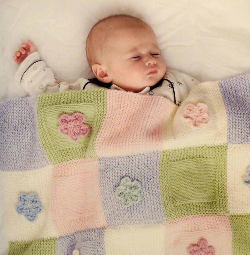 Esta delicada manta en colores pastel tiene un dise o bien - Mantas de ganchillo bebe ...