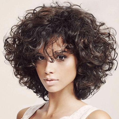 18 Frisuren für lockiges kurzes Haar Pixie + Bob ...