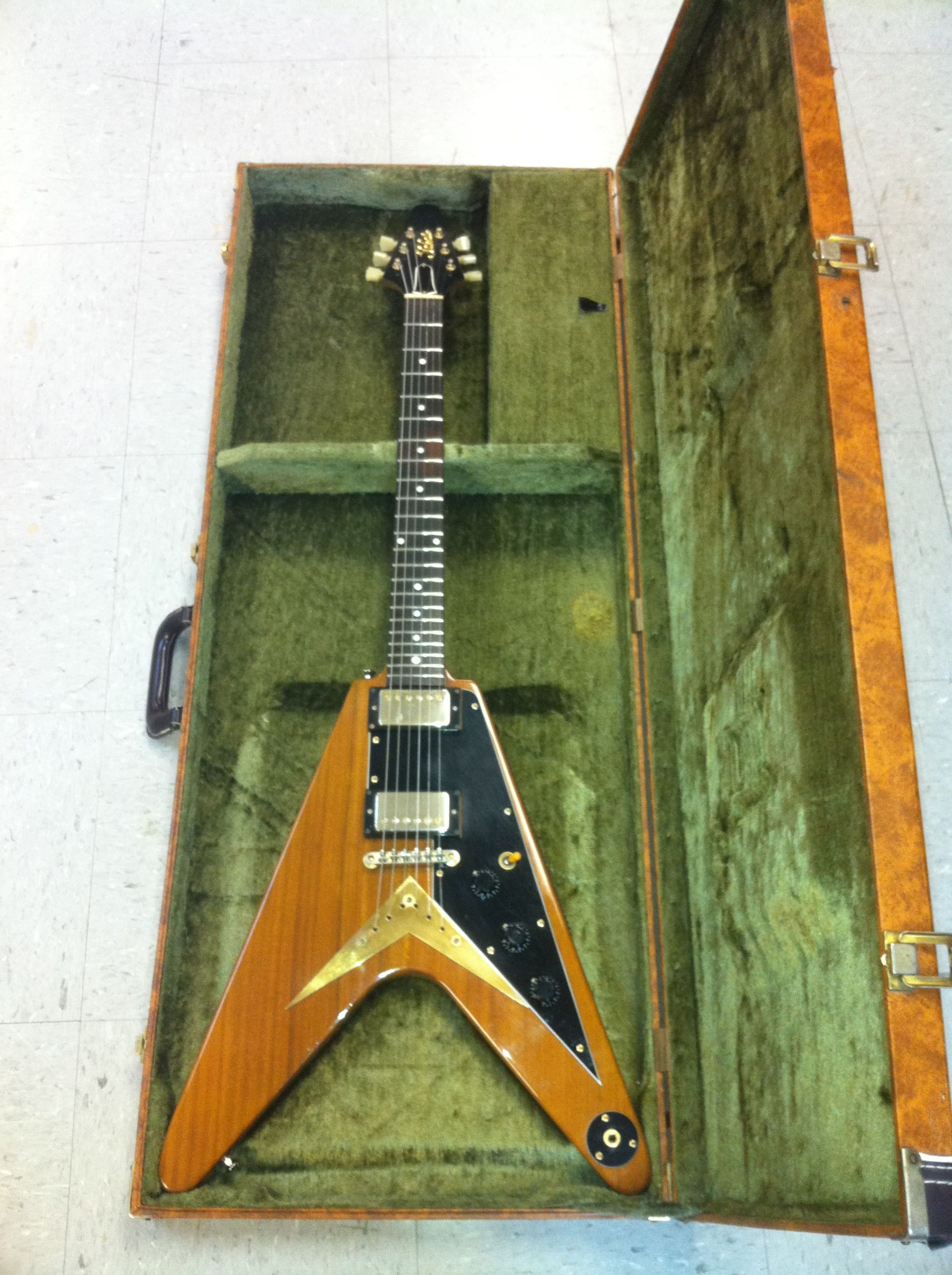 tokai reproduction of a 1958 gibson flying v all original with original hard case made in. Black Bedroom Furniture Sets. Home Design Ideas