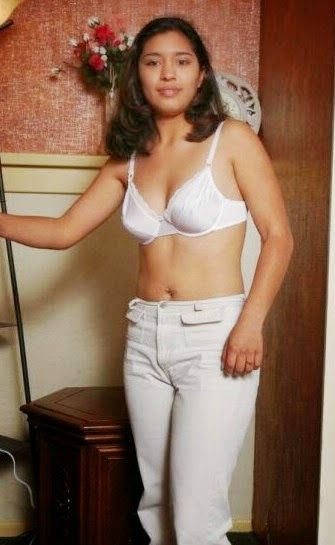 Beautiful Desi Pakistani Girls In Bra Without Dress Photos
