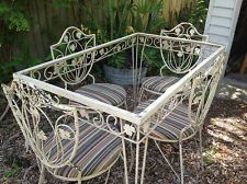 Wrought Iron Patio Set Offered On Ebay For 475 00 Table And Chair Legs Don T Appear Wrought Iron Patio Furniture Iron Patio Furniture Vintage Patio Furniture