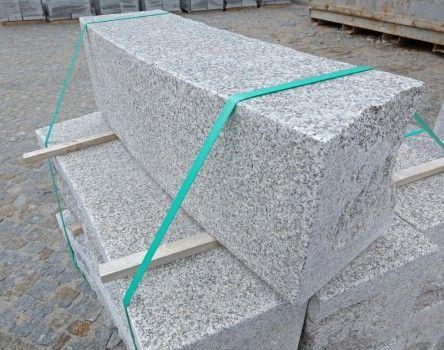 Bordures Courbes En Granit Gris Du Portugal Voirie Amenagements Urbains Granit Gris Granit Et Gris