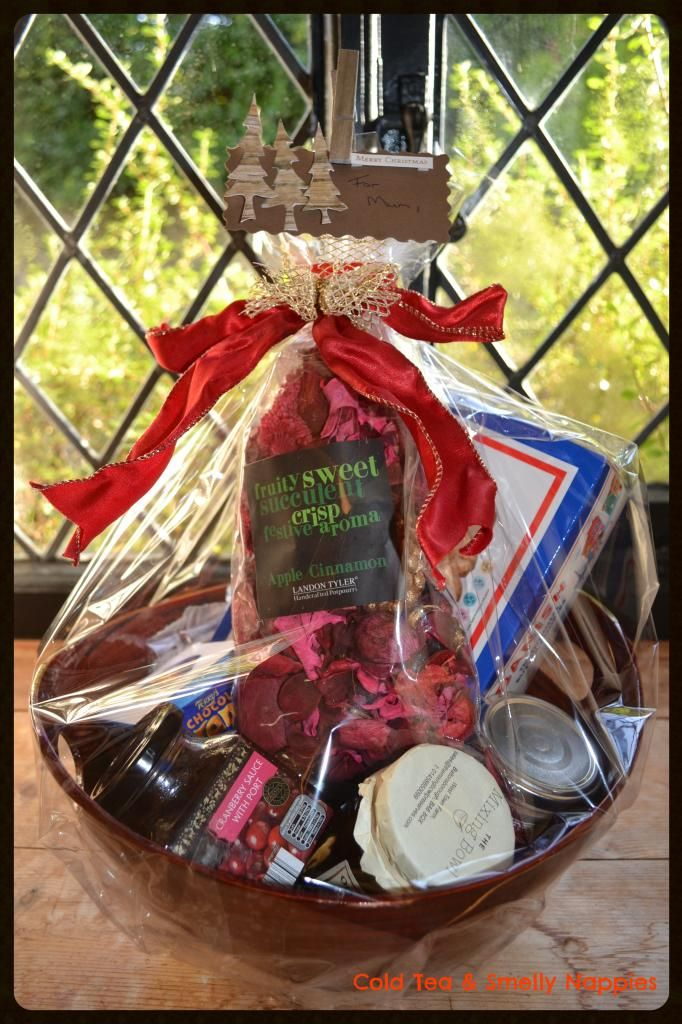 Thrifty christmas food hampers holiday dessert ideas pinterest thrifty christmas food hampers forumfinder Images