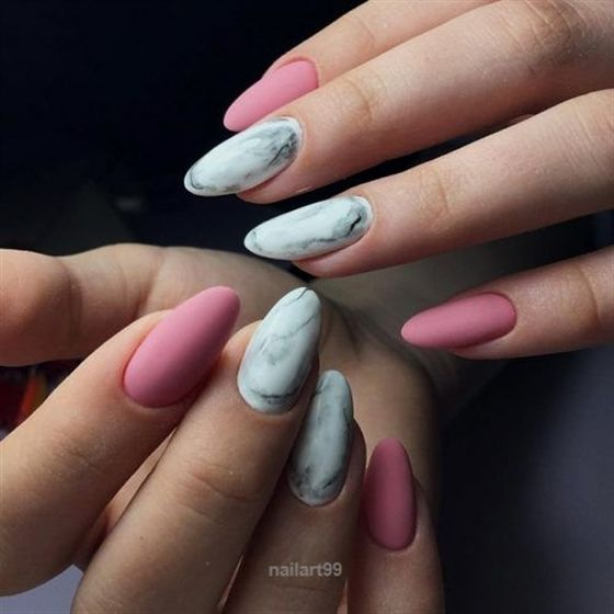 The Post Pink And White Nails Trends For Spring Summer 2018 See More Glaminati C Eared
