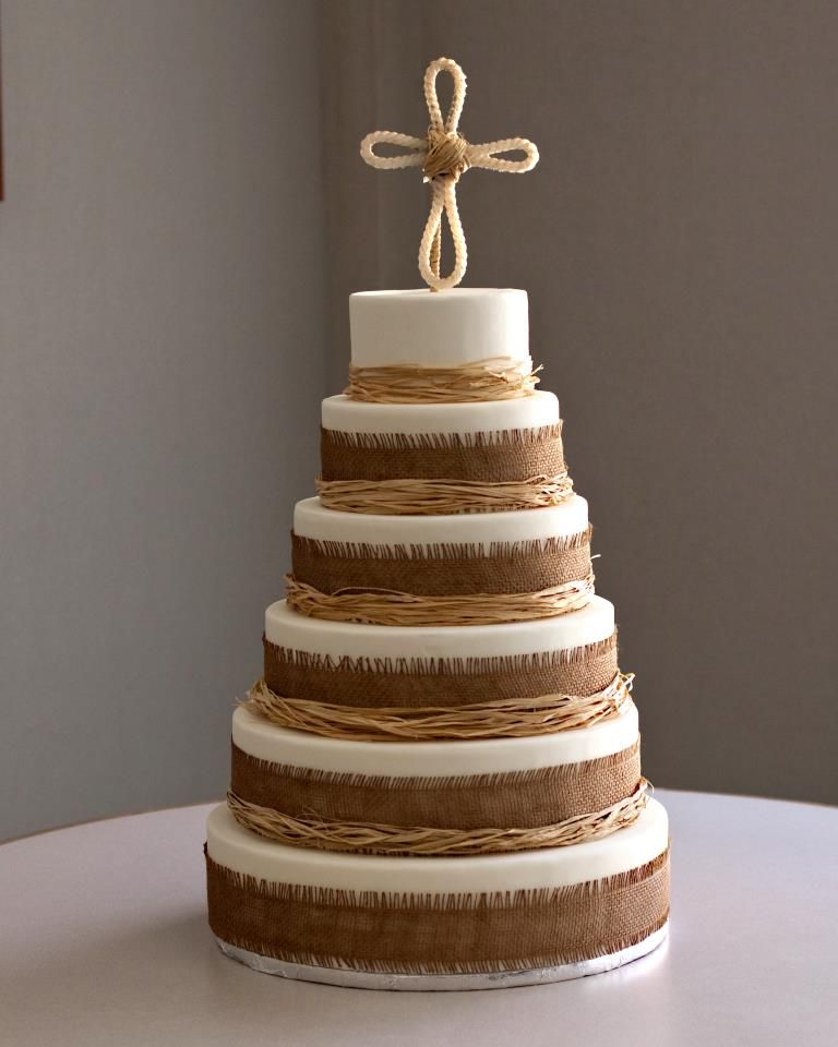 Rustic Wedding Cake Ideas: Rustic Wedding Cake I Like The Burlap And Raffia