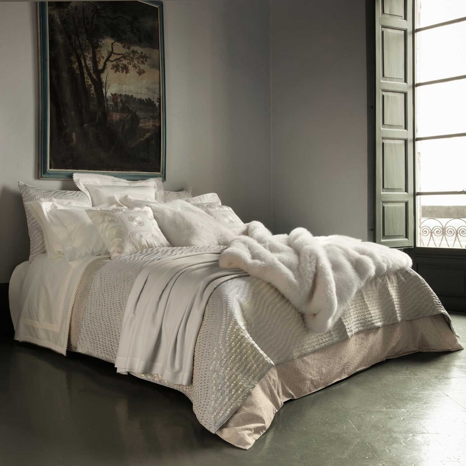 Dream   Frette Presents The Dream Bed, Which Ties Together The Most  Magnificent Pieces From