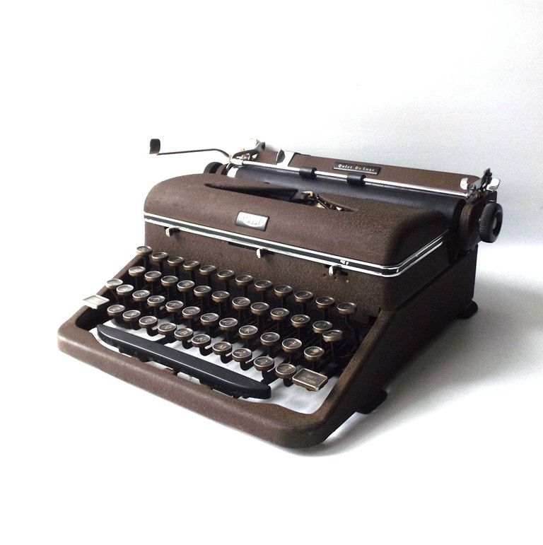 Vintage 1940 S Royal Quiet Deluxe Typewriter Machine Mechanical Manual Type Typing Antique Old Retro Office Decora Typewriter Vintage Typewriters Office Camera