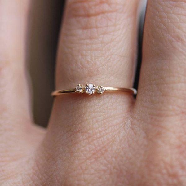 Winziger dreifacher Diamantring   - Jewelry - #Diamantring #dreifacher #jewelry #winziger #diamondrings