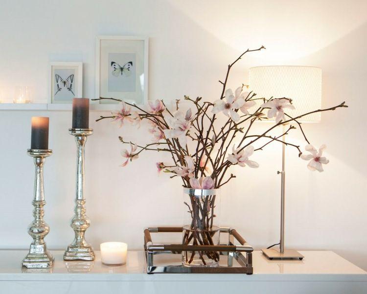 Edle vasendeko aus magnolienzweige wohnzimmer einrichtung