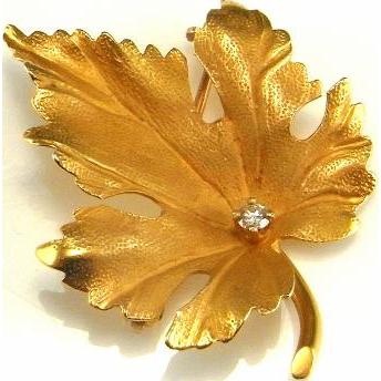 ade03e479 14K Gold Leaf Brooch Diamond Leaf Pin Yellow Gold Leaf Brooch Mid Century  Brooch Gold Leaf Jewelry Maple Leaf Jewelry Maple Leaf Pin Dainty