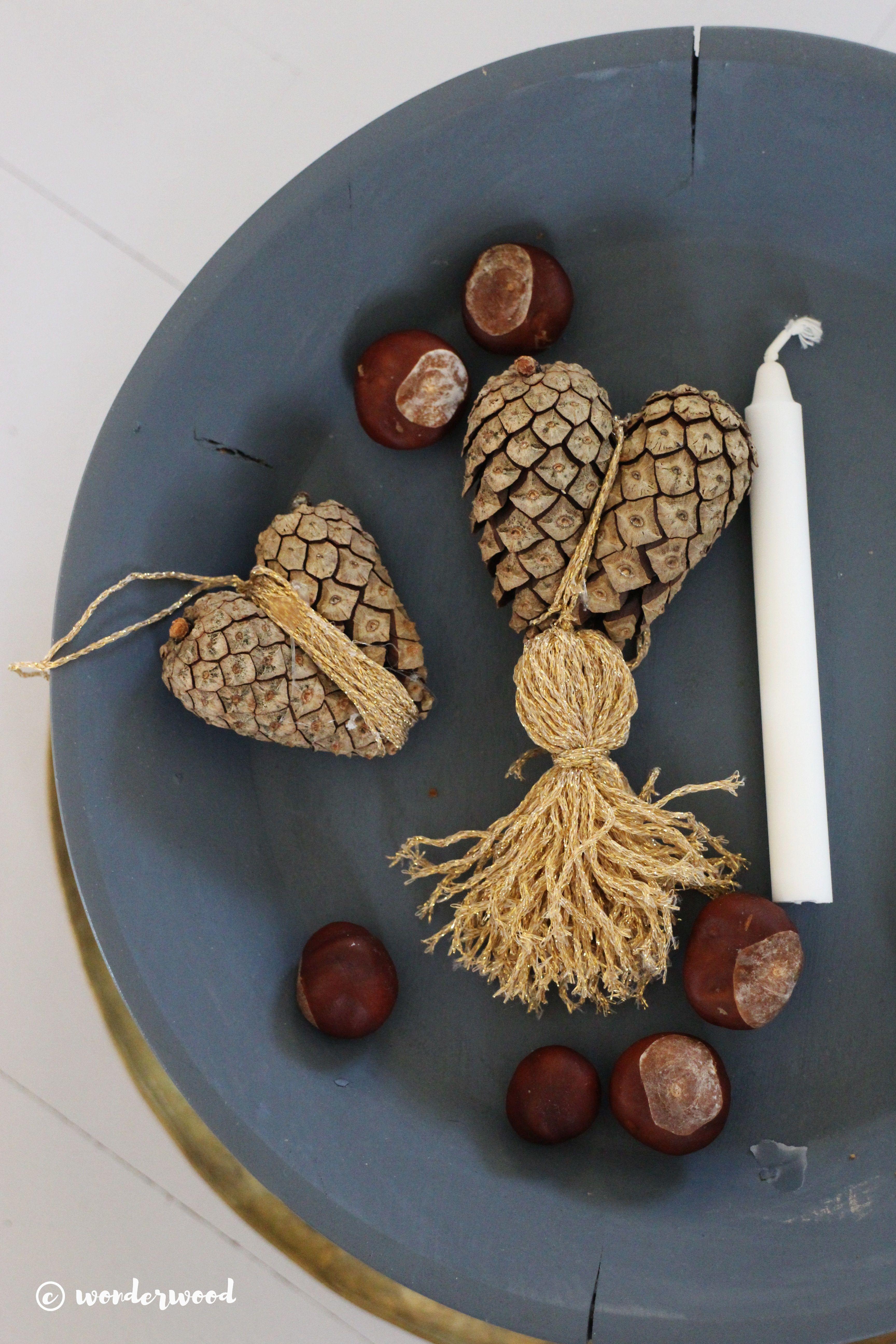 WONDERWOOD.NO: DIY Pinecone hearts (tutorial)