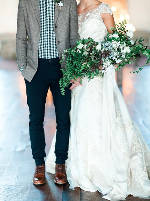Candlelight Winter Wedding Ideas in Green and White Winter wedding