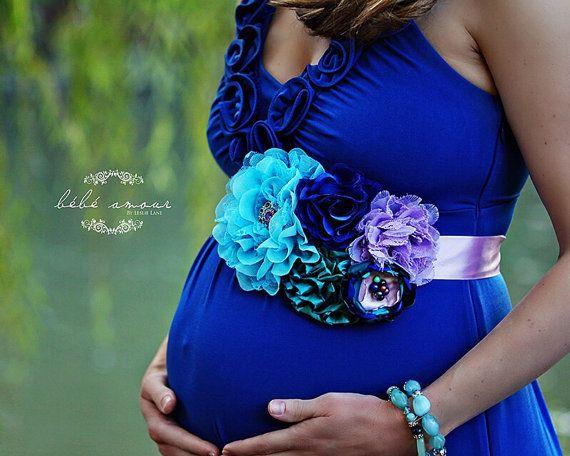 Pin By Ariana Aldana On Photography Tips Poses Peacock Baby
